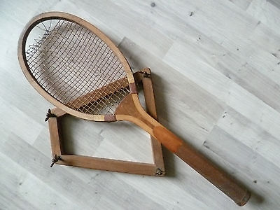 Raquette Tennis  Ancienne Club Made In England For Prieur Paris