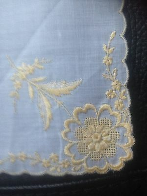 Vintage White/gold Embroidered   Ladies Handkerchief.. New/old.