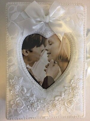 Wedding Photo Album Vintage White Lace Embroidered Pearl 4 Fold Holds 120 Photos