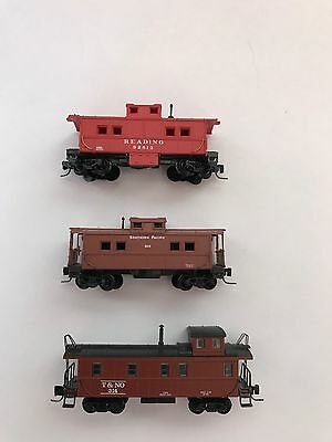 Lot Of 3 Z Scale Cabooses - Mtl Sp, Mtl Reading And Marklin T&no W/mtl Couplers