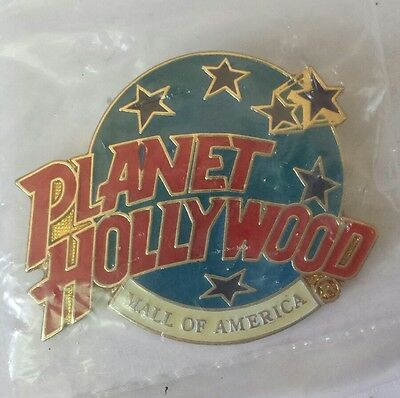Planet Hollywood MALL of AMERICA Classic Globe Red White & Light Blue PIN New!