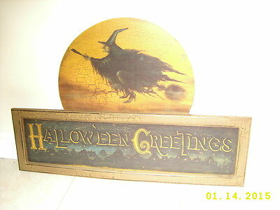 HALLOWEEN GREETINGS WOOD PLAQUE UGLY OLD WITCH FLYING ON BROOM - Vintage