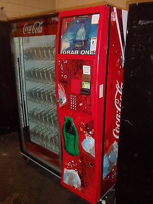 Dixie Narco DN5000 elevator glass front beverage / soda vending machine