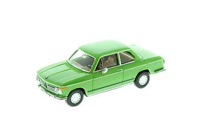 WIKING HO scale ~ BMW 2002 ~ GORGEOUS and FULLY ASSEMBLED 1/87 plastic model