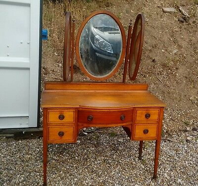 Lovely Victorian Satinwood Bow Front Dressing Table with triple mirror