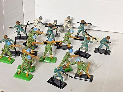 Vintage Britains Deetail Task Force Infantry 1/32