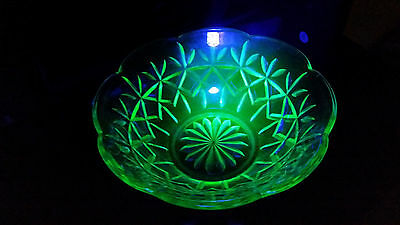 Vintage uranium glass  bowl