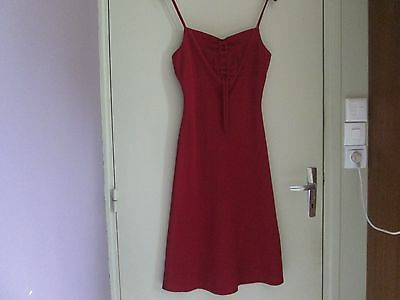 Robe rouge à bretelle taille 38 TBE