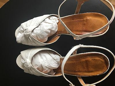 Truly Vintage 1960s Hand Made Dancing Shoes 38 Super Comfortable!