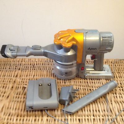 Dyson DC16 Vacuum Cleaner & Charger new battery