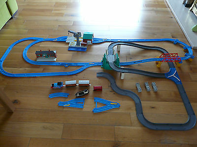 Thomas and Friends Trackmaster Set Bundle Train and Tracks