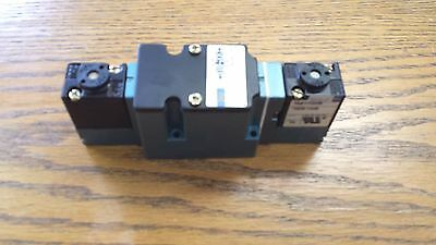 New Mac Pneumatic Solenoid Valve  6241C-000-Pm-111Da