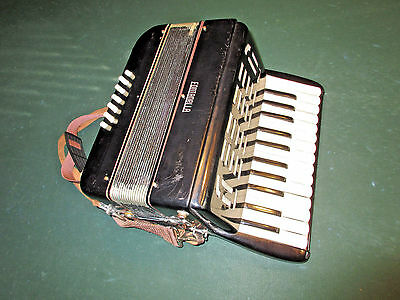 """Vintage """"Fontanella"""" Black Gloss Wood Accordian~Recently Serviced~Works Great"""