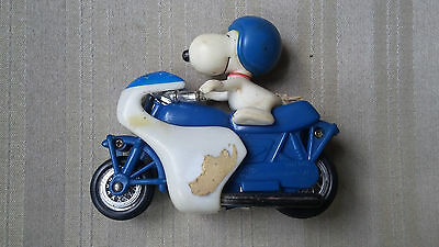 Peanuts Dog SNOOPY Riding AVIVA Toy Speed Cycle Motorcycle Figure