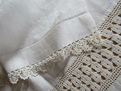Antique Vtg Linen Damask Show GUEST Fingertip Towel Crochet Lace Insert 20x33""