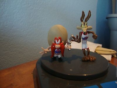 Vintage 90's 1996 Space Jam Figures Wile E. Coyote and Yosemite Sam Tune Squad