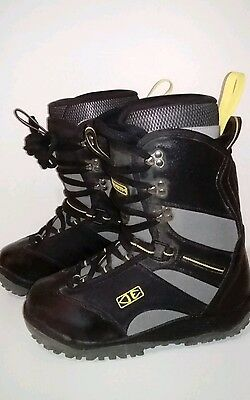 BNWOT Ocean & Earth Snowboarding Boots Size US 7, EUR 39, New Without Tags