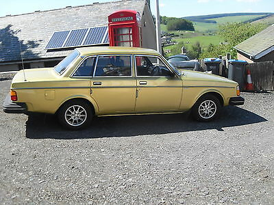 1980 Volvo 244 Dl Yellow