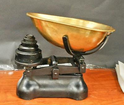 RARE Antique  Counter Top Weight Scale With Copper Bin !!  R224  J