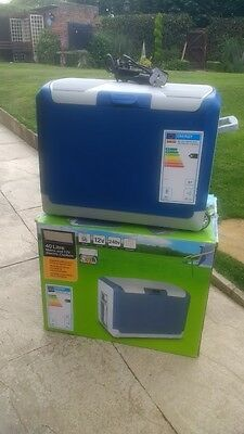 Halfords 40 Litre Mains And 12v Electric Cool box