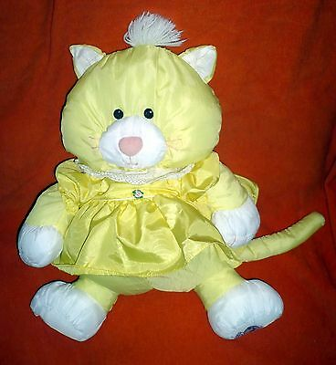 Vintage Fisher Price PUFFALUMP Yellow KITTY CAT #8002 1986 With Dress