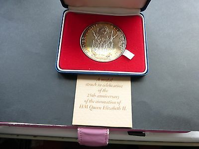Large Silver Medal 58mm Queen Elizabeth 11 25th Anniversary  Unc. Boxed Certs