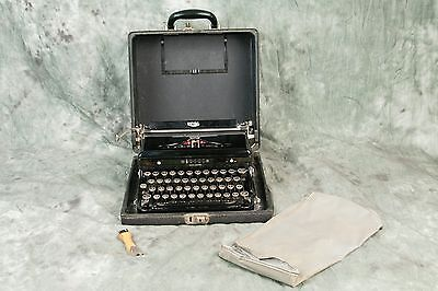 --Vintage Royal Touch Control Portable TYPEWRITER WORKING w/Case