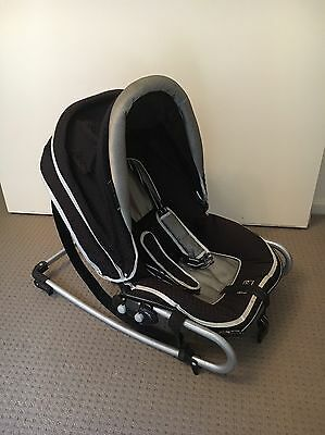 Valco Snuggly Baby Rocker Delux/Baby Bouncer