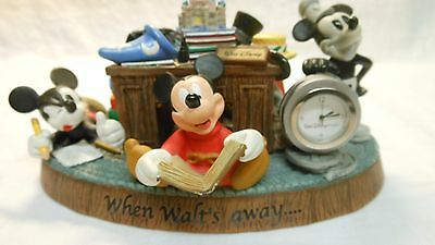 Walt Disney Motiv-Standuhr - When Walt's away...17,5x11,5x9cm