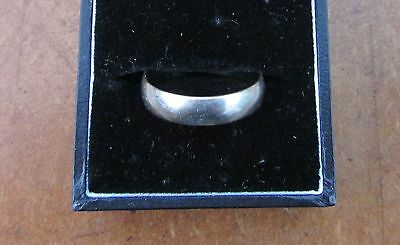 18ct White Gold Wedding Band (5mm) Ring Size R.