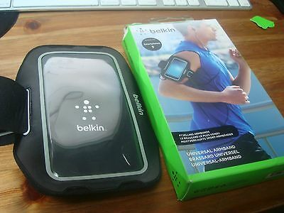 "Belkin Universal Sports Armband for unto 5"" LCD Screen  Smartphones  Apple / Sam"