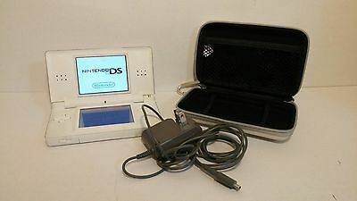 Nintendo DS Lite Polar White with Travel case and Charger- works like new!