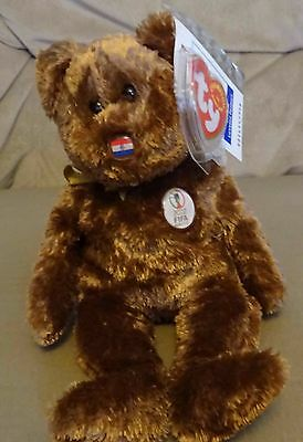 TY Beanie Baby - Retired - FIFA 2002 World Cup - Champion Bear - Paraguay