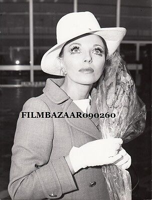 JOAN COLLINS - Complete LOT Of 5 x Airport Related Original Press Stills  F#23-B
