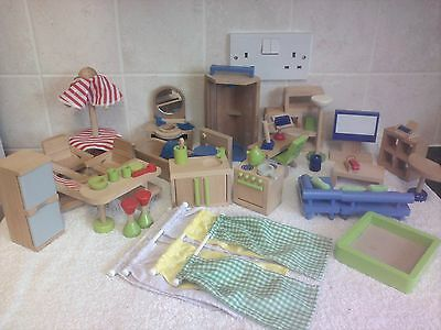 Large Bundle of Wooden Dolls House Furniture & Accessories