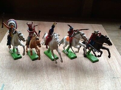 Britains Deetail Wild West Indians on Horses x 5