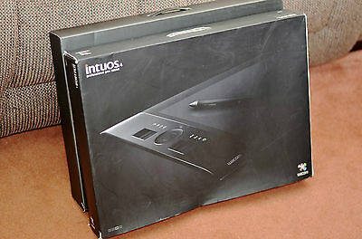 Wacom Intuos 4 Graphics Tablet Large PTK-840 Boxed and Complete