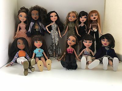Huge Lot of 19 Fully Dressed Assorted Bratz Dolls Very Nice Super Lot Free Ship!