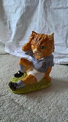 Beswick for Sinclairs - Footballing Feline FF-2 - Mee-Ouch - Excellent Condition