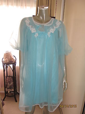 Vintage Peignoir/Negligee Set in a shade of Teal