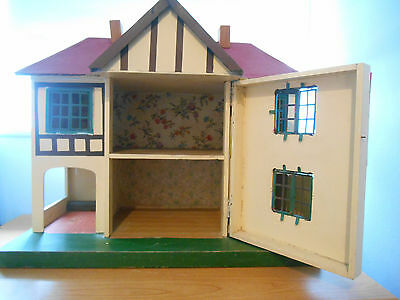 1950s Vintage Triang Dolls House No. 76