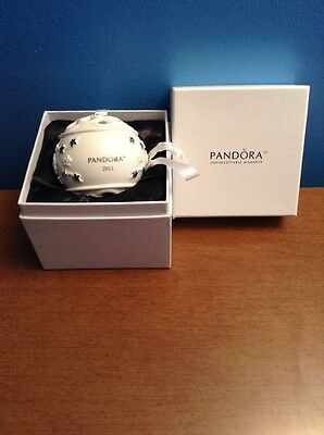 2011 pandora christmas ornament ball white limited edition new in box