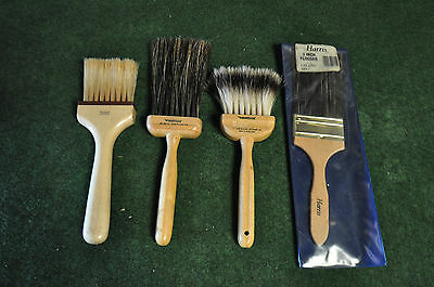 Professional wood graining and broken colour tools