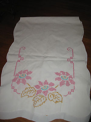 Vintage embroidered table runner scarf doily off white with pink flowers (CSC)