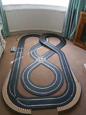 Scalextric Sport & Digital 1:32 Track Set - Double Figure of Eight Digital