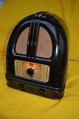 Philco valve radio People set model 444 . Working order