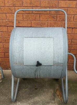 Tumble composting bin, composter