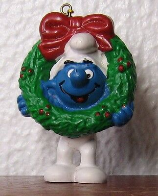 Smurfs - Rare - Christmas Ornament Smurf With Wreath!