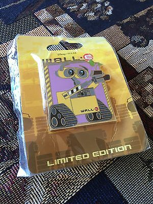 Wall-E Holding a Plant Pin LE 300 Disney Soda Fountain - DSF - On Original Card!