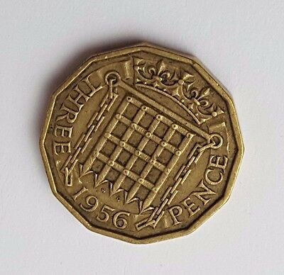 1956 - Queen Elizabeth II / QE2 - Brass Threepence / 3d Coin - Great Britain